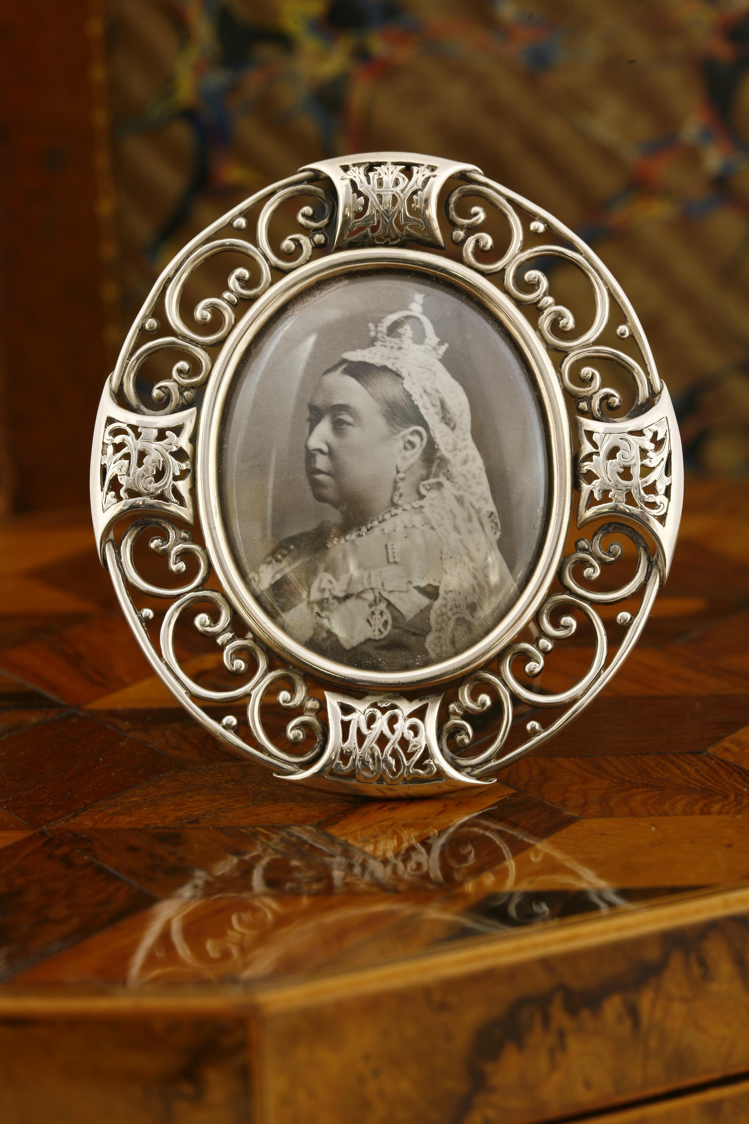 Thornhill Silver Frame