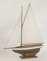 Lot 100 - A pond yacht
