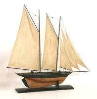 Lot 99 - A pond yacht