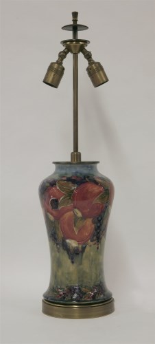 120 - A Moorcroft 'Pomegranate' table lamp