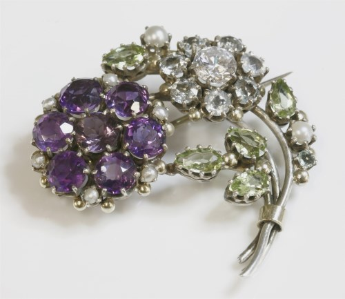 Lot 23 - A late Arts and Crafts silver spray brooch