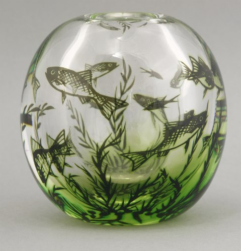 Lot 444 - An Orrefors glass 'Graal' fish vase