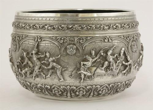 Lot 25 - An early 20th century Burmese bowl