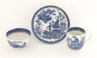 Lot 29 - A Worcester blue and white Trio