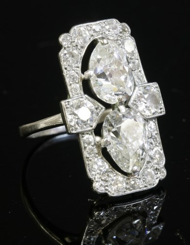 410 - An Art Deco diamond set plaque ring