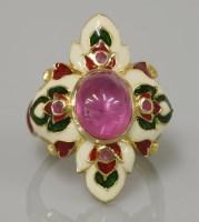 Lot 9 - A silver gilt single stone cabochon ruby ring
