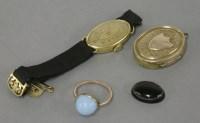 Lot 4 - An Art Deco gold ladies mechanical strap watch