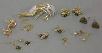 Lot 24 - A 9ct gold bird brooch
