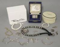 Lot 40 - A boxed Links of London child's silver circular link bracelet