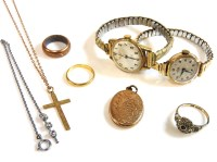 Lot 82 - A collection of jewellery to include a Latin cross and chain