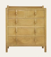 Lot 101 - A 'Stow' type oak chest