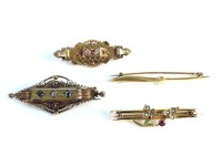 Lot 42-A Victorian 15ct gold Etruscan style diamond and sapphire brooch
