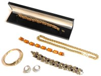Lot 74 - A collection of costume jewellery