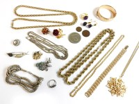 Lot 91 - A large quantity of costume jewellery