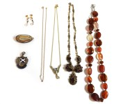 Lot 89 - A collection of costume jewellery