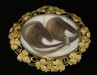 Lot 40 - A Victorian gold brooch