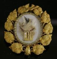 Lot 39 - A Victorian gold brooch
