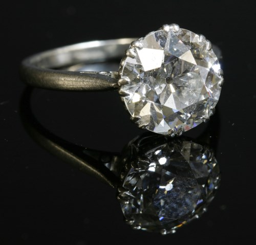 174 - A single stone diamond ring