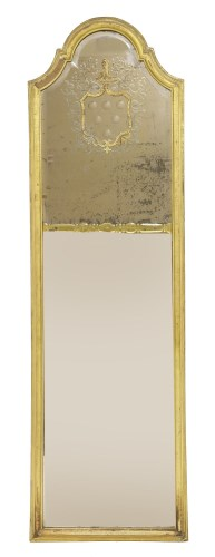 Lot 404-A giltwood pier mirror