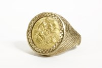 Lot 1019-A 1911 half sovereign in a 9ct gold ring mount 12.77g