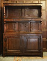 Lot 83 - A panelled oak tridarn