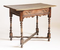 Lot 85 - An oak side table