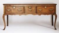 Lot 169 - An oak dresser