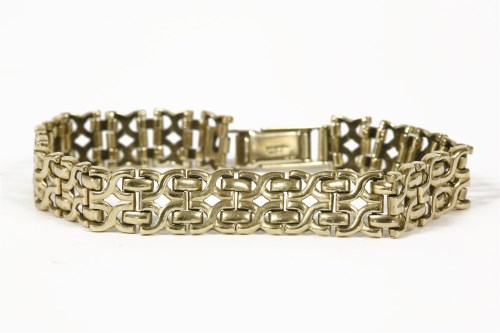 Lot 1020-A 9ct gold two row cross link chain bracelet