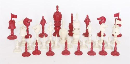 Lot 33 - A Chinese ivory chess set