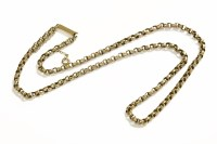 Lot 29 - A gold faceted belcher link chain