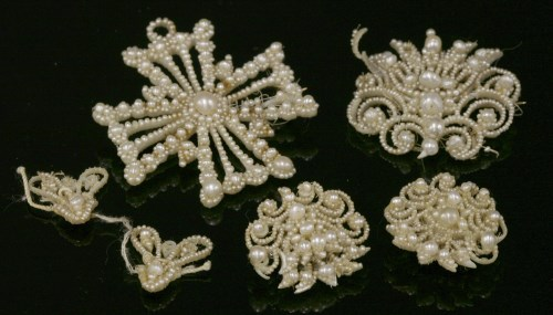Lot 2-A Georgian graduated seed pearl Maltese cross brooch/pendant