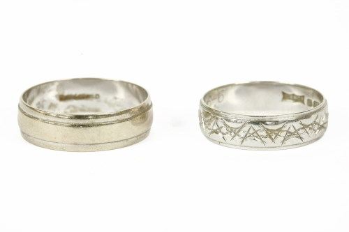Lot 15-A 9ct white gold band ring