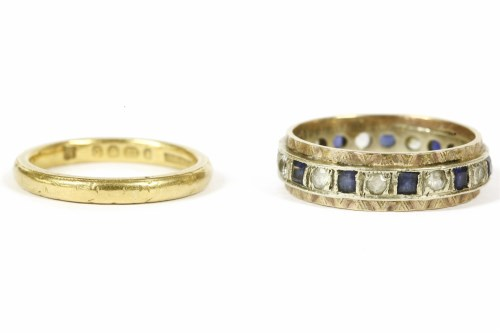 Lot 13-A 22ct gold wedding ring