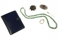 Lot 58 - A collection of items to include a single row Aventurine bead necklace