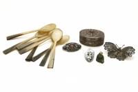 Lot 70 - A Continental oval silver filigree box