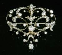 Lot 86 - A late Victorian diamond set brooch/pendant or tiara centrepiece