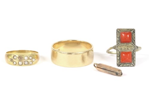 Lot 3-An 18ct gold wedding ring