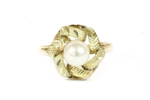 Lot 17-A Continental gold single stone pearl ring