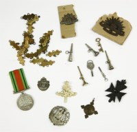 Lot 43-Seven various watch keys