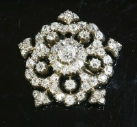 Lot 75-A Victorian diamond set cinquefoil cluster brooch