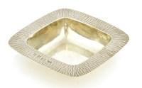 Lot 166 - A silver dish