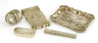 Lot 56 - A mixed lot of silver items