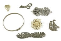 Lot 32-A collection of costume jewellery to include