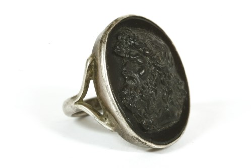 Lot 10-A silver black glass cameo ring