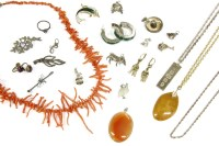 Lot 31-A collection of jewellery
