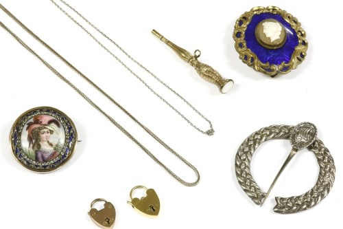 Lot 25-A collection of jewellery