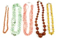 Lot 31-A single row circular jade bead necklace