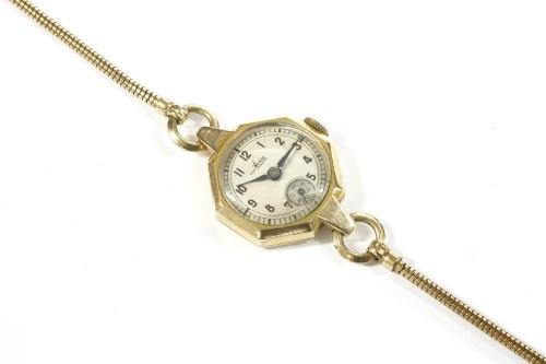 Lot 36-A ladies 9ct gold Avia mechanical bracelet watch