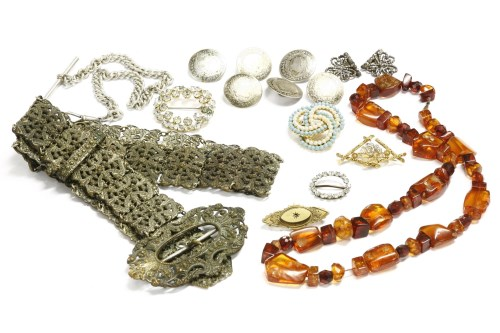 Lot 47-A collection of jewellery to include a Victorian gold brooch