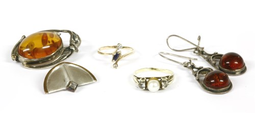 Lot 24-A collection of jewellery to include a 9ct gold diamond and sapphire crossover ring